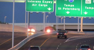 Veterans Expwy Sign